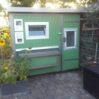 Heinicoop Huehnerstall Tres bei Sascha Winkler Garten und Landschaftsbau