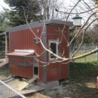 Huehnerstall im Garten